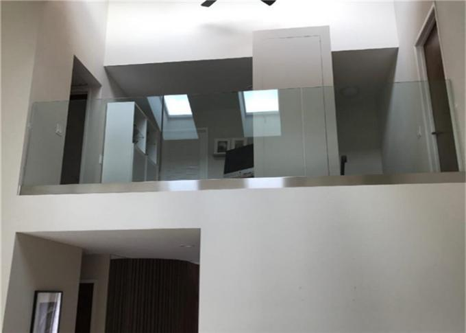 PRIMA Frameless Glass Railing America Installation , Spigot Glass Railing Design