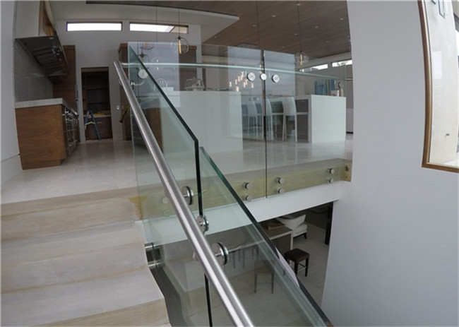 Indoor Side Mount Frameless Glass Railing Glass Stair Balustrade Systems Customized Size