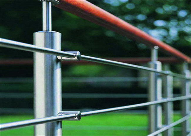 Outdoor Building Railing , 8mm SS316 Stainless Steel Rod Railing Anti Corrosion