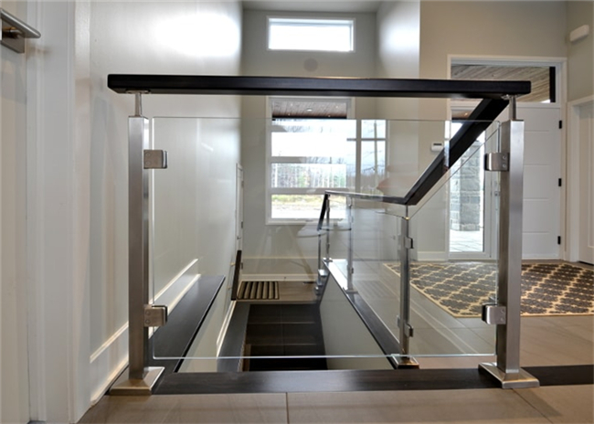 Side Mount Stainless Steel Glass Railing Systems With 10mm / 12mm Tempered Glass