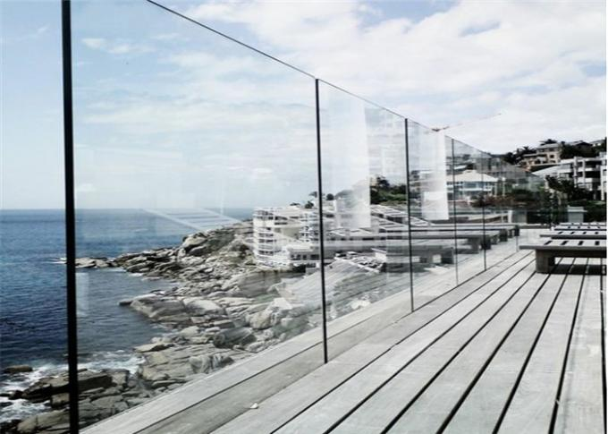 U Channel Glass Deck Railing Systems DIY Installation For Indoor / Outdoor Venues