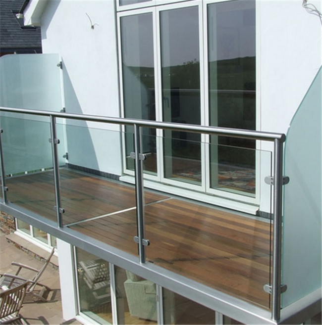 Tempered Glass Stainless Steel Glass Railing Floor - Mounted Brushed Treatment