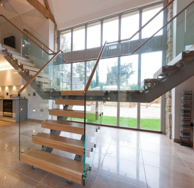 U Shape Tempered Glass Stair Railings Interior , Steel Staircase With Wood Treads