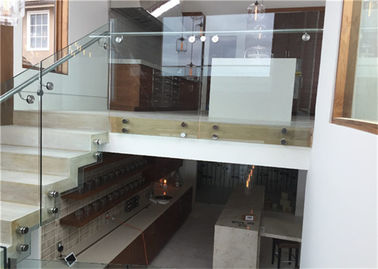 China Indoor Side Mount Frameless Glass Railing Glass Stair Balustrade Systems Customized Size supplier