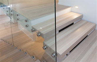 China Modern Straight Flight Staircase 12mm Tempered Glass Railing Indoor Decoration supplier