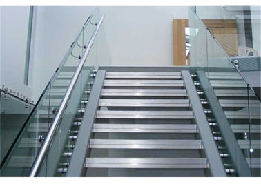 China Balcony Frameless Glass Deck Railing Systems Stainless Steel Standoff 850-1200mm Height supplier