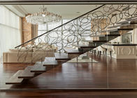 China Straight Flight Glass Stair Railings Staircase Interior With Solid Wood Tread factory