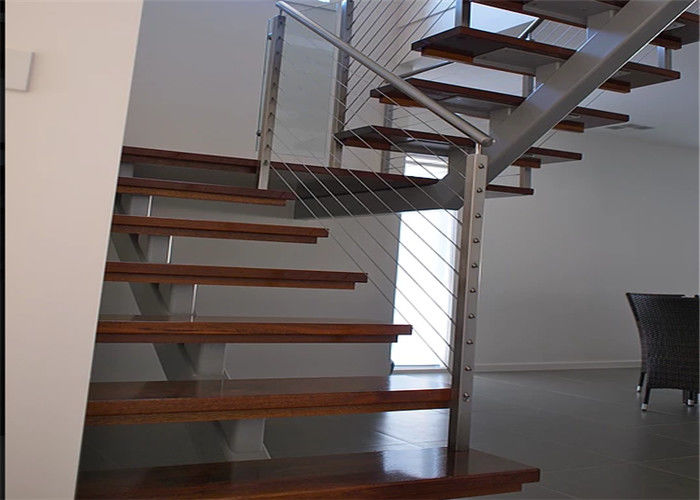 Flexibility Modern Steel Staircase With Wood Treads