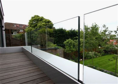 China Outdoor Glass Panel Railings Frameless U Channel Glass Balustrade For Balcony Railing factory