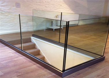 China Customized Frameless Glass Deck Railing Systems Stainless Steel Railing For Balcony distributor