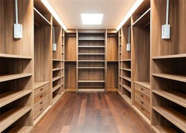 China Furniture Walk In Closet Wardrobe MDF Material Melamine Easy Installation distributor